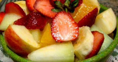 Salada de frutas refrescante